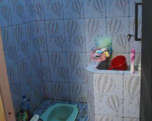12_BRILLIANT_Tampak dalam kamar mandi cewek