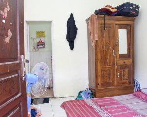 11_LC_Tampak dalam kamar cowok