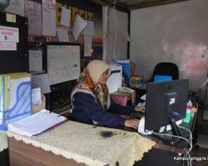 3_the benefit_tampak dalam kantor 1