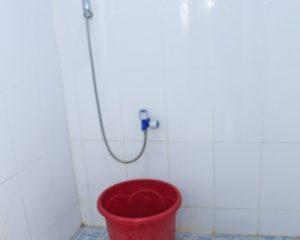 9_LC_Tampak dalam kamar mandi cewek