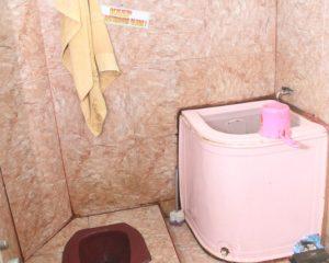 4_cherry_kamar mandi